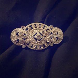 Antique Sliver crystal Brooch ❤️